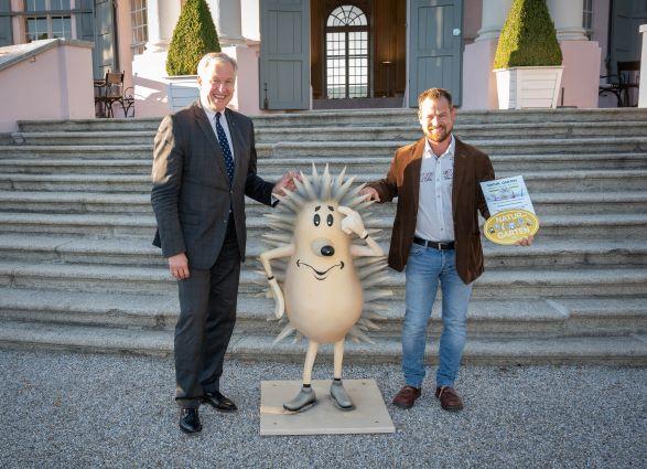 """Hofgarten erhält Auszeichnung """"Goldener Igel"""""""
